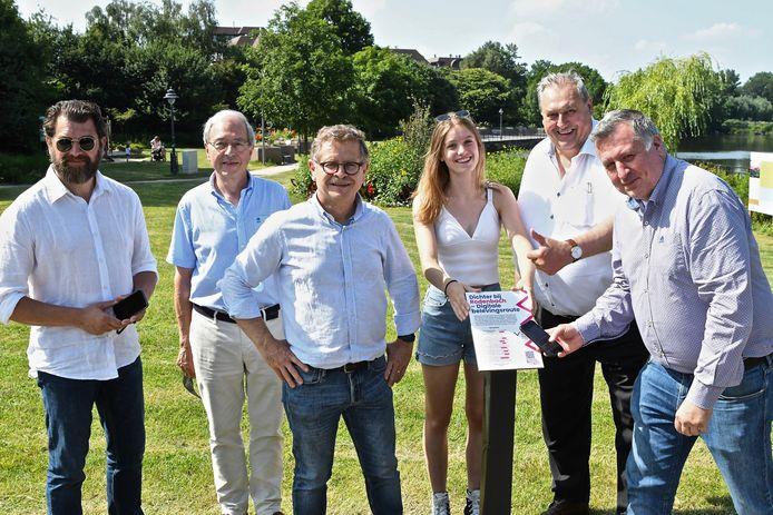 Stad Roeselare, TWICE en de vzw Albrecht Rodenbach werkten samen de digitale belevingsroute rond Albrecht Rodenbach uit.