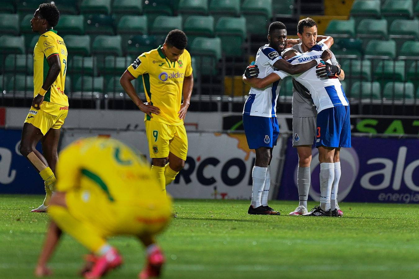 Porto profiteerde bij  Paços de Ferreira optimaal van de uitglijder van Benfica.