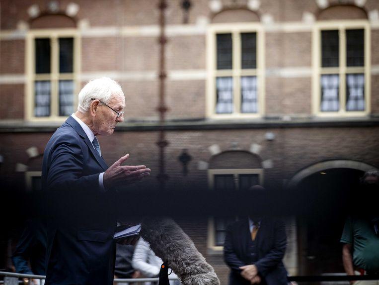 Informateur Johan Remkes (VVD) staat de pers te woord na afloop van gesprekken over de kabinetsformatie.  Beeld ANP