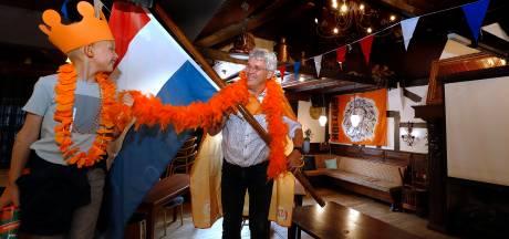 Achterhoekse kroegen kleuren Oranje: 'Tijdens het EK wil je die sfeer hebben, gelukkig kan dat nu een beetje'