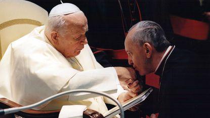 Paus Johannes Paulus II wordt in april heilig verklaard