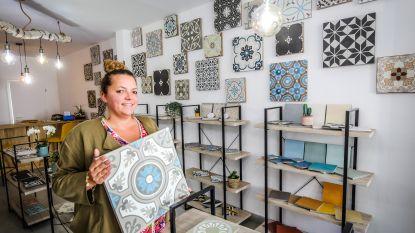 """Tegelzaak Old Lily opent in Ezelstraat: """"Veel vraag naar authentieke tegels in Brugge"""""""
