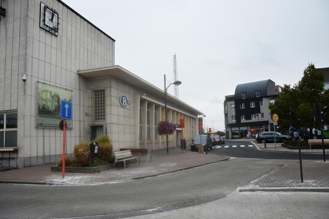 De stationsomgeving in Denderleeuw.