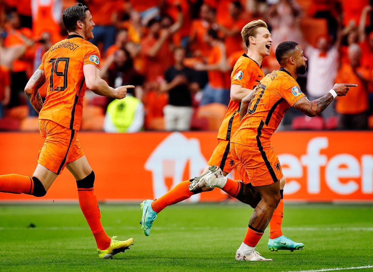 Oranje tijdens de tweede groepswedstrijd tegen Oostenrijk.