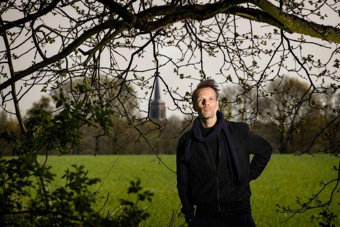 Componist Job Roggeveen, even terug in Geldrop.