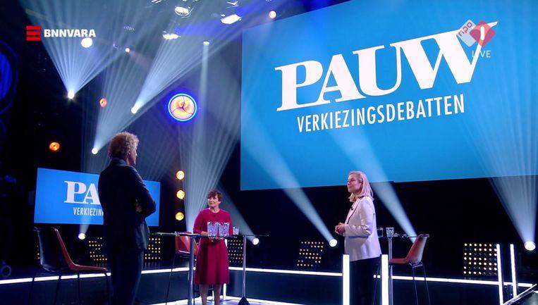 Jeroen Pauw presenteert de één-op-één-debatten. Beeld -