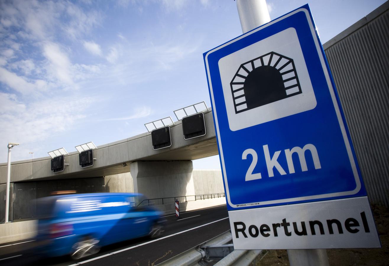 De Roertunnel op de A73 bij Roermond.