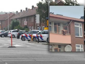 Kruisboogschutter (28) die in Nederland twee mensen doodstak ligt in coma op intensieve zorg