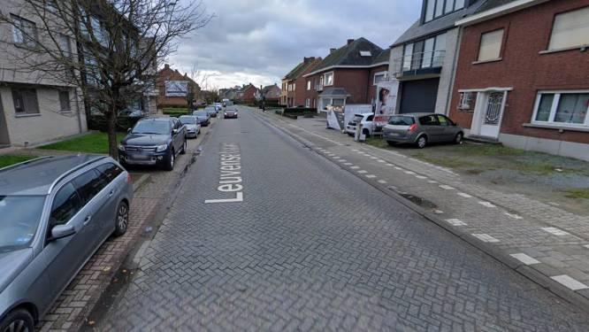 """Leuvensebaan in Putte krijgt asfaltlaag: """"Buren ondervinden geluidshinder door versleten straatklinkers"""""""