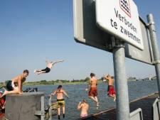 Rijkswaterstaat: zwemmen in IJssel gevaarlijk