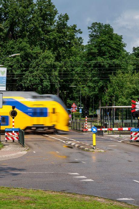 ProRail neemt maatregelen om spoorwegovergang in Wolfheze veiliger te maken, in afwachting van tunnel