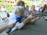 Ria (98) gaat los met buks op Tilburgse kermis