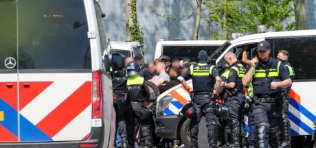 Gemist? Politie voorkomt confrontatie tussen supporters en explosie beschadigt huis van gezin