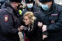 Anastasia Vasiljeva werd eerder tijdens een protest van artsen bij het strafkamp van Navalny afgevoerd door de politie.
