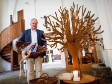 Voedselmanden Oude kerk Delden blijven permanent staan: 'Het komt op de juiste plek terecht'