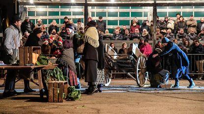 50 acteurs uit Ossenwijk brengen openluchtspektakel