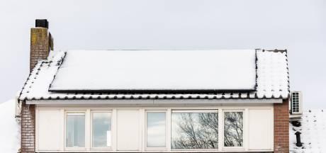 Maak de zonnepanelen sneeuwvrij en meer wintertips voor huis en tuin