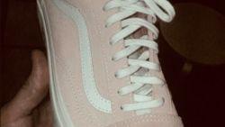 Het internet gaat wild over de kleur van deze schoenen