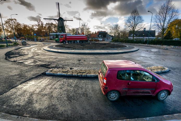 De nieuwe rotonde bij de molen tussen Kaatsheuvel en Sprang-Capelle.