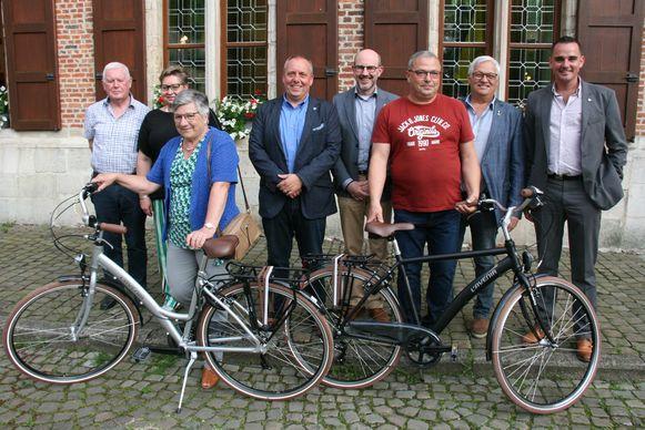 Rita en Luc kunnen met hun nieuwe fiets naar huis