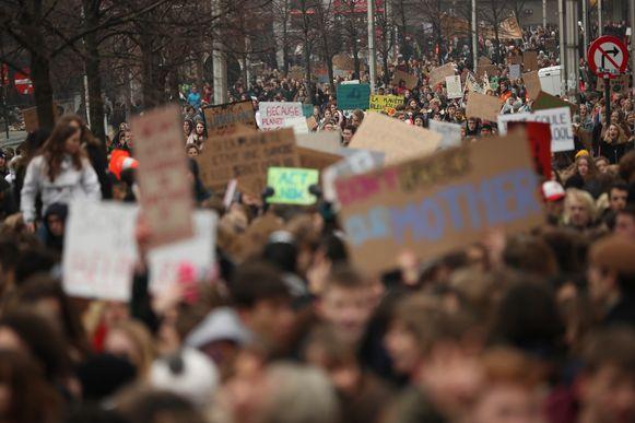 Gisteren kwamen 35.000 scholieren en studenten bij elkaar in Brussel om te betogen voor een ambitieuzer klimaatbeleid.