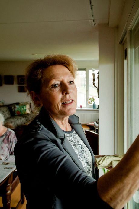 Leusden wil geld besparen op huishoudelijke hulp: 'Porsche voor de deur? Dan hulp uit eigen zak'