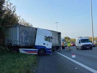 Vrachtwagen in schaar op E40 richting Brussel: zwaarste avondspits sinds afschaffen telewerk