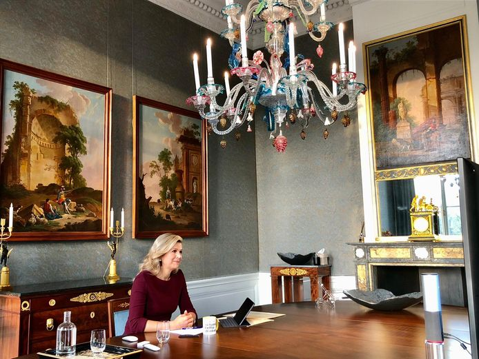 Koningin Máxima in gesprek met de deelnemers van de Werkbezoekdag, een netwerkevent dat dit jaar online plaatsvindt.