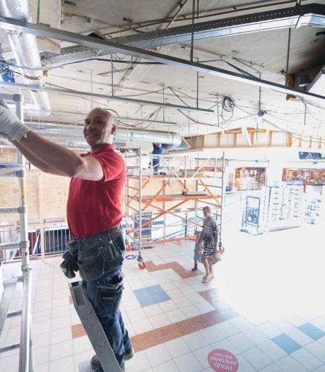 Flinke verbouwing Rijssens winkelcentrum De Hoge Wal: 'Voorop staat dat de klant er graag blijft komen'