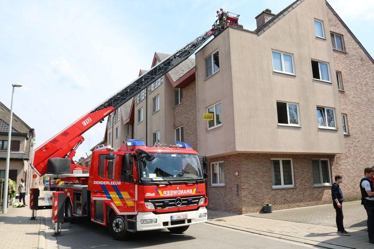 Het appartement in kwestie liep aanzienlijke schade op en is tijdelijk onbewoonbaar.