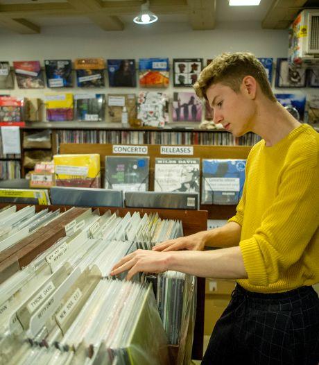 Lange rijen voor platenzaken wegens Record Store Day: 'Populairste release? Die van Ariana Grande'