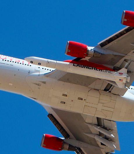 Lancée depuis l'aile d'un avion, une fusée de Richard Branson atteint l'espace