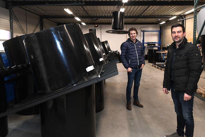 Scan Air, een bedrijf in luchtbehandeling voor stallen opereerd vanuit Mill. De beide directeuren van het bedrijf zijn Wilbert Boon (L) en Puck Hendriks.