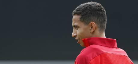 Slecht nieuws voor Mauro Júnior, die de rest van zijn seizoen bij PSV in rook ziet opgaan