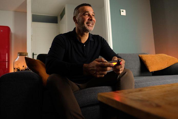 Ruud Gullit probeert als ambassadeur van Rule The Game ouders te helpen bij het omgaan met hun gamende kind.