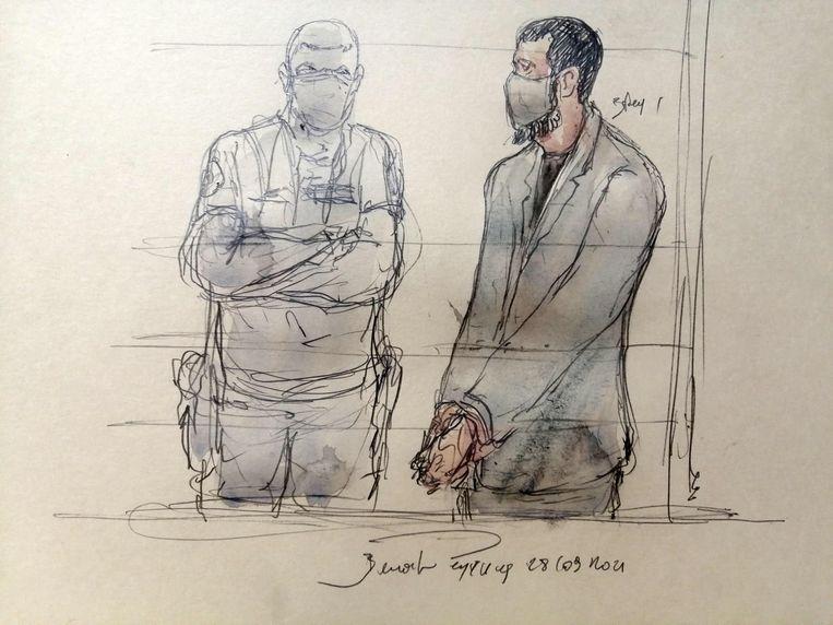 Rechtbanktekening van Salah Abdeslam (rechts). Beeld AFP