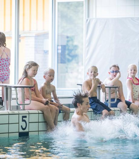 Petitie om Enschedees zwembad te behouden: 'Het woord is nu aan de politiek'