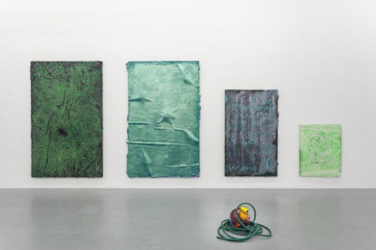 Werk van Juliaan Andeweg op de expositie Art Game Danny Vapid, in 2016 bij Martin van Zomeren. Beeld Het Parool