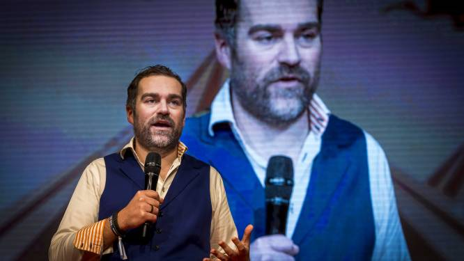 Dijkhoff: Boerkaverbod geldt overal, óók in Amsterdam