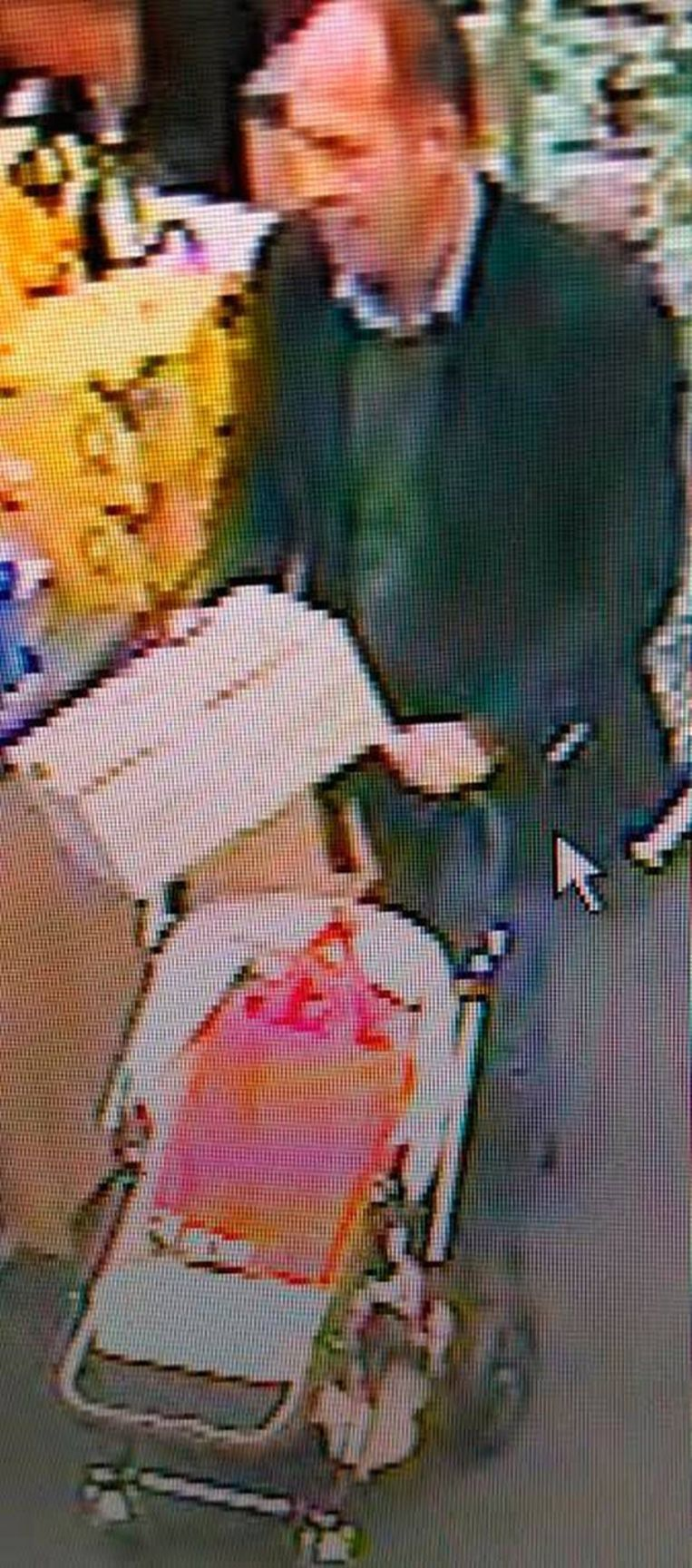 Van Wilderoden, betrapt door een veiligheidscamera in een Brits winkelcentrum. Beeld rv