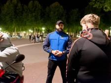 Deventer gaat corona-effecten op stapavonden met sfeerbeheerders te lijf: 'Goede aanvulling op politie'