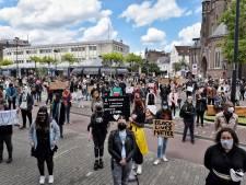 Honderden mensen demonstreren tegen racisme in Tilburg: 'Blij met deze opkomst, trots op onze stad'