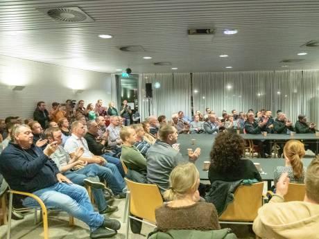 LIVE: Ingelaste vergadering Bodegraven: Polenhotel of niet?