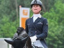 Nijkerker dressuurruiter Adelinde Cornelissen ziet Olympische hoop vervliegen door ontbreken op CHIO