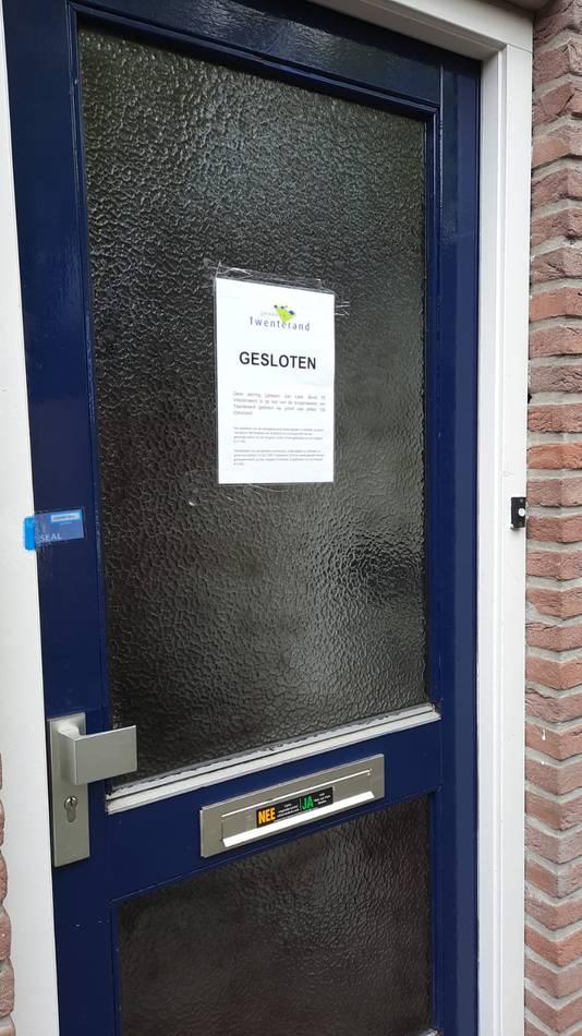 Op last van de burgemeester werd de woning al een half jaar gesloten. Nu moet de man voorgoed het huis uit.