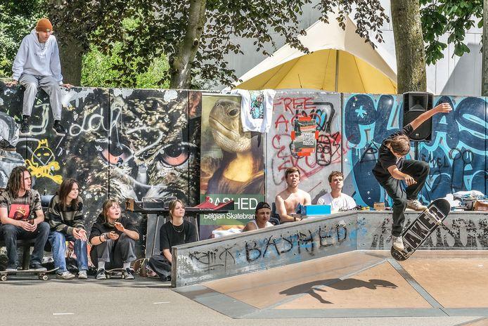 Dit weekend werd een skatewedstrijd en workshops georganiseerd in het kader van de nieuwe skatepiste die in Ieper wordt aangelegd.