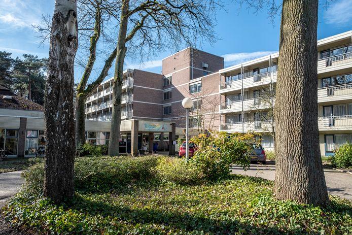 Voormalig bejaardencentrum De Vijverhof aan de Kwakkenbergweg in Berg en Dal. Er zijn plannen om hier woningen te bouwen. Maar het mag geen Nijmeegse enclave worden.