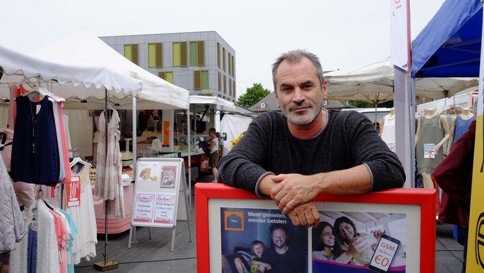 Guy Van Sande op de markt.