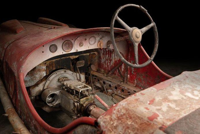 De racewagen van Mussolini werd teruggevonden in Afrika