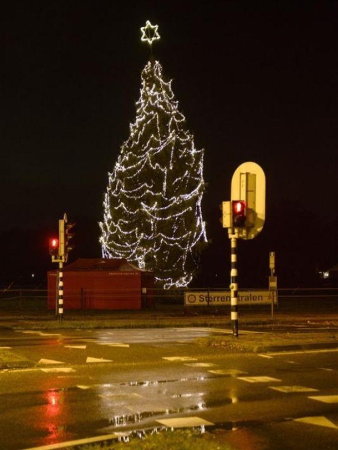 De boom van Sterren Stralen op de hoek N18-N315